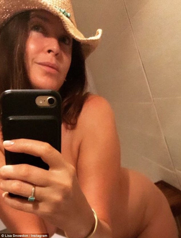 Bold Move Lisa Snowdon Shared A Completely Naked Selfie On Instagram On Monday As She