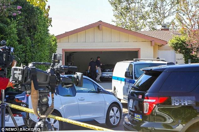 Les services d'urgence ont envahi sa maison à Los Angeles après que Miller eut été jugé inconscient dans sa chambre. Des sources ont depuis révélé que sa maison avait été pratiquement débarrassée de la drogue et de l'attirail à leur arrivée - ce qui ne correspond pas à la cause présumée de son décès.