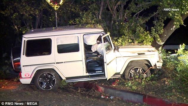 Moins d'une semaine après sa séparation de Grande, Miller a été arrêté pour conduite avec facultés affaiblies après s'être écrasé son SUV et avoir fui les lieux