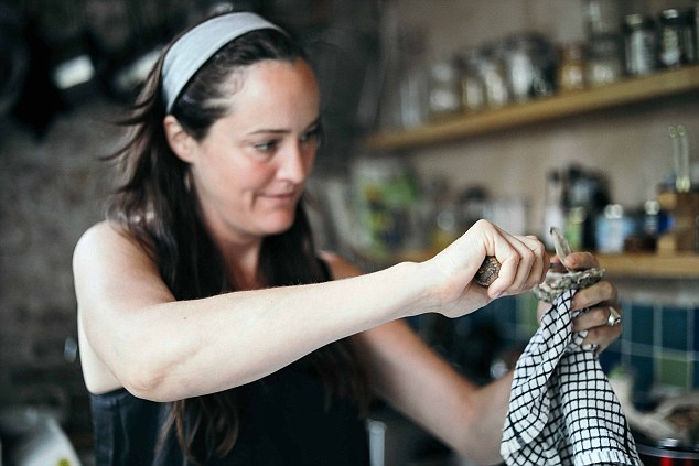 The Oyster Lady: Katy Davidson demonstrates shucking an oyster for one of her masterclasses
