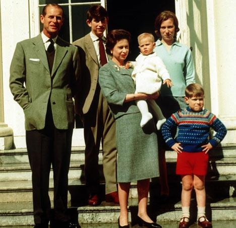 Former nanny's letters provide a rare glimpse of the Queen ...