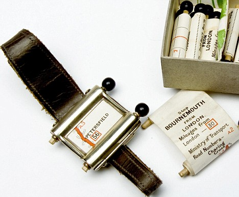 1920s navigation map watch!