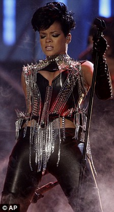 Rihanna performs at the American Music Awards