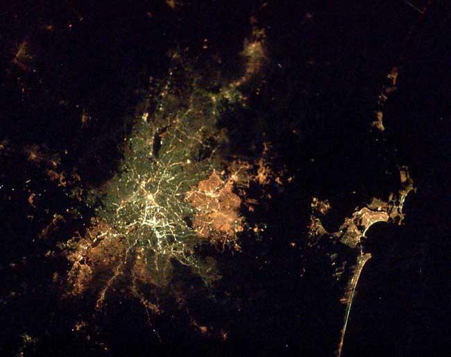 São Paulo (costa do Litoral de SP à direita)