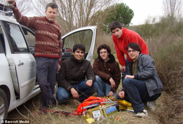 Innovative: The students and their teacher Jordi Fanals Oriol