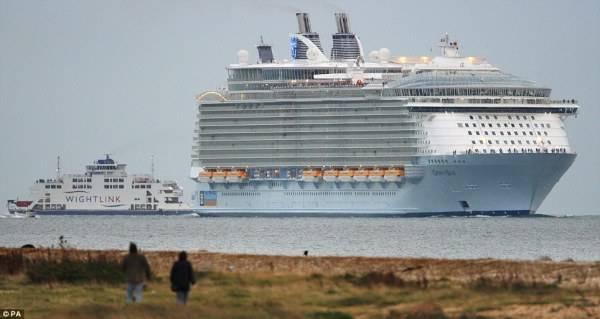 Oasis of the Seas: World's largest cruise ship squeezes ...