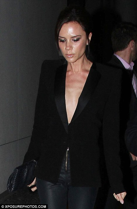 Victoria Beckham Looks Thinner Than Ever Daily Mail Online
