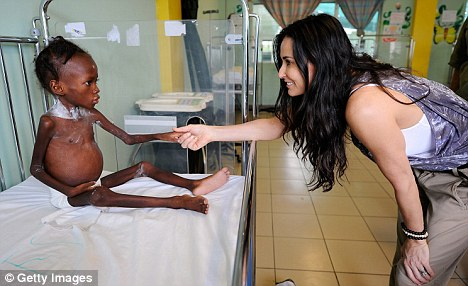 Survivor: Demi Moore shakes hands with Shakyna