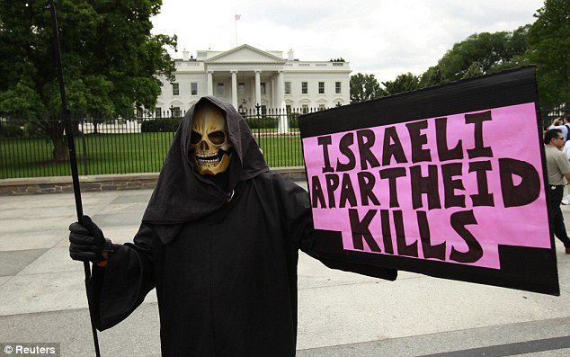 Protesters in front of the White House yesterday. America is Israel's staunchest ally