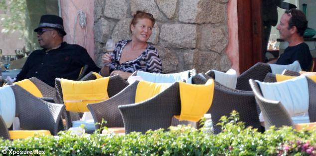 Relaxing: Sarah Ferguson and American producer Quincy Jones enjoy the hospitality