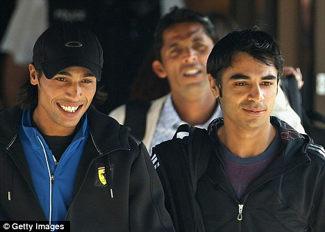 Accused: (l-r) Mohammad Aamer, Salman Butt and Mohammad Asif, back,are being questioned over an alleged betting scam