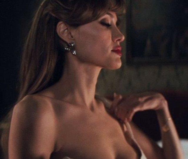Enlarge Angelina Jolie
