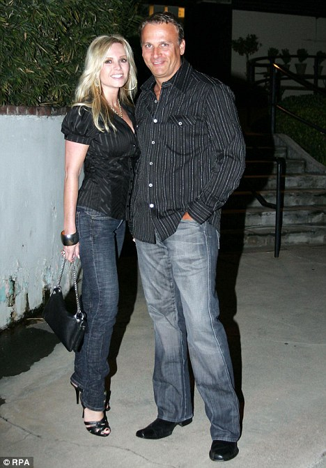 OC Star Tamra Barneys Husband Simon Arrested For Domestic Violence Daily Mail Online