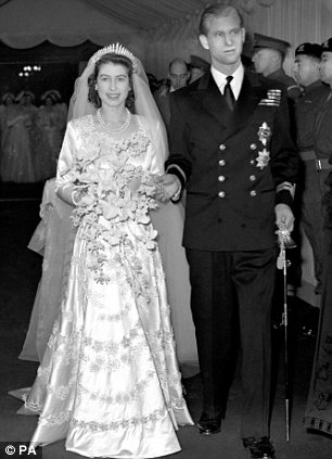 Princess Elizabeth and the Duke of Edinburgh leaving the Abbey in 1947