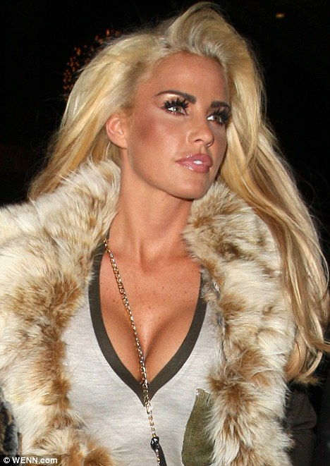 Katie Price Turns Blonde Bombshell As She Shows Off Newly