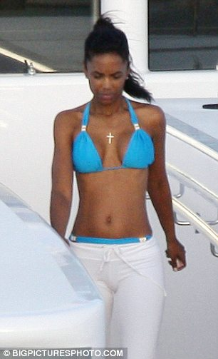 P Diddy (Sean Combs) spending his winter holidays with Kim Porter