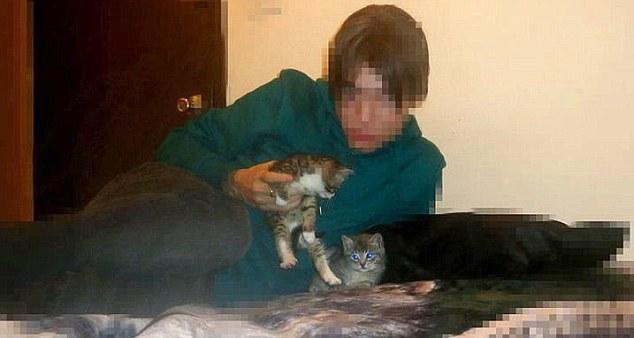 Risultati immagini per 1 guy 2 kittens
