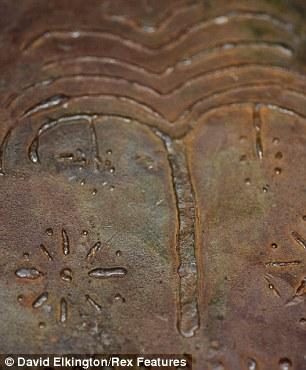 article 1371290 0B63ECAC00000578 858 306x370 70 Buku Logam Sejarah Injil, Mungkinkah Penemuan Terbesar Dunia Sejak Gulungan Laut Mati?