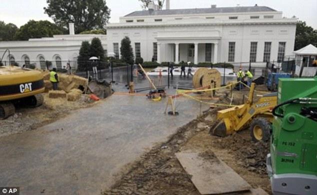 En construcción: Edificio trabaja junto al ala del oeste en 2010. El proyecto de cuatro años de duración, ver el patio delantero Pennsylvania en 1600 siendo una obra ruidoso hasta 2014