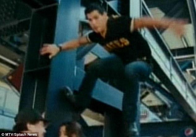 Move Over Robert Pattinson Twilights Taylor Lautner