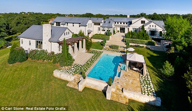 Grand: Beck is thought to be moving his family into the seven-bedroom mansion which is owned by baseball player Jorge Piedra and Swarovski heiress Vanessa Piedra
