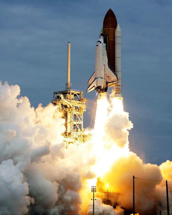 Nasa's space shuttle Atlantis lands at International Space ...