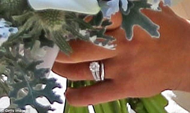 Zara Phillips Wedding Photos Mike Tindall Didnt Reach
