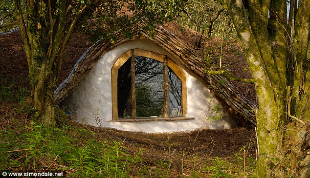 DIY: How to Build a Hobbit House (6/6)