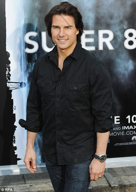 Tom Cruise Gets A Hair Cut In Preparation For Jack Reacher