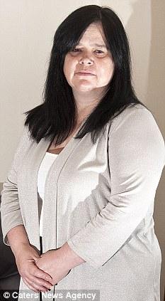 Sufrimiento: El estado se ha convertido en una pesadilla para Debbie McCann, que ahora tiene vergüenza de hablar con la gente