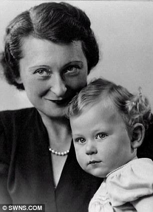Bebés de la guerra: Franklin Geller con su madre, Stella (izquierda) y
