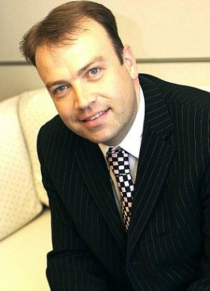 Informe: El ex eurodiputado Chris Heaton-Harris es el presidente del grupo pide a Cameron a tomar medidas