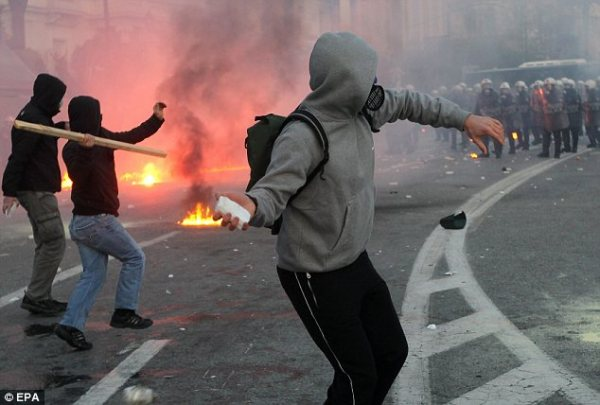 Greeks left counting cost of riots they can't afford: Cash ...