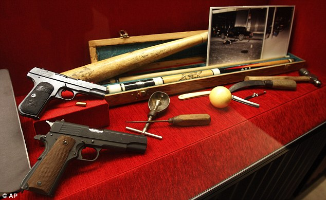 The Gallery For Gt Al Capone Gun House