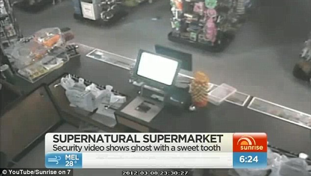 Autenticidad: Un detective de lo paranormal que haya visto las imágenes de ella misma cree que es verdadero, mientras que otros detectives investigaron los informes, la tienda de Jueves