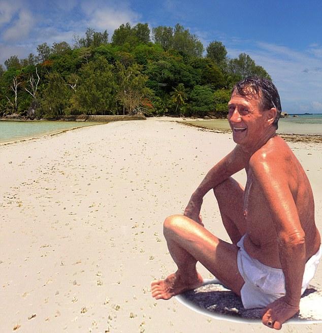 A vida é uma praia: Brendon Grimshaw em Moyenne, a ilha Seychelles ele comprou em 1962 por £ 8.000