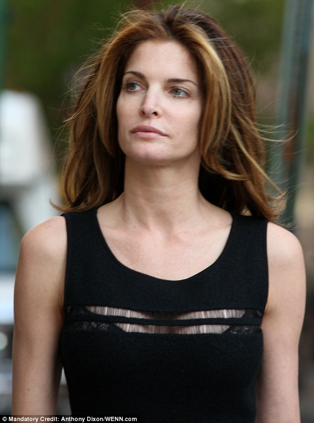 Stephanie Seymour 43 Looked Incredibly Youthful As She