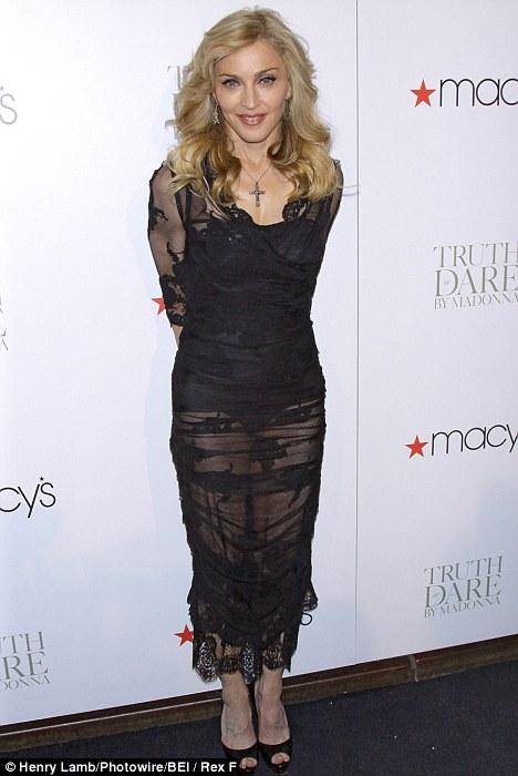 Michelle trachtenberg belly button
