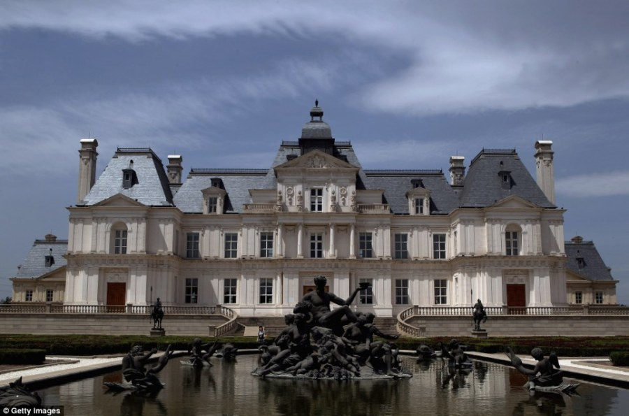 Beijing replica of Ch    teau de Maisons Laffitte is built by Multi     Mirror image  The Zhang Laffitte Chateau hotel on the outskirts of Beijing  is an exact