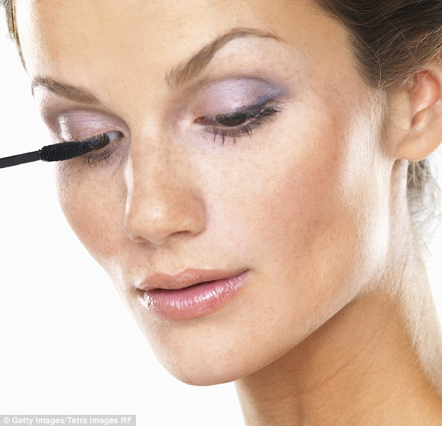 Beauty Confidential Wake Up Your Eye Make Up Daily