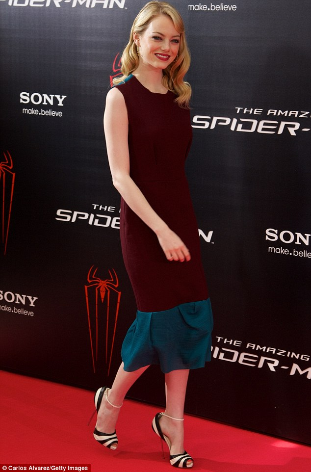 The Amazing Spider Man Star Emma Stone Totters Along The
