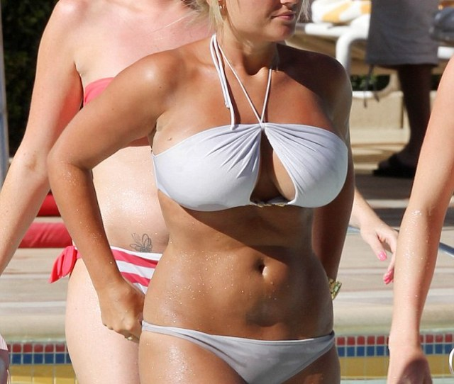 All White Now The Only Way Is Essex Star Billie Faiers Shows Off Her Curves