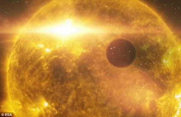 Nasa's Hubble Space Telescope spots planet shedding ...
