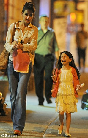 In the middle: Suri Cruise