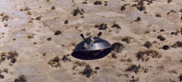 """A verdade está lá fora? Os EUA da Força Aérea lançou esta foto de 1972, uma sonda espacial Viking como parte de seu relatório sobre o chamado """"Incidente Roswell"""" de 1947."""