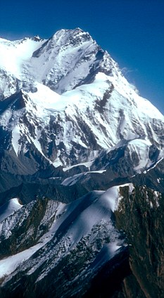 The glaciers in the Karakoram Range between northern Pakistan and western China have actually grown, rather than shrinking
