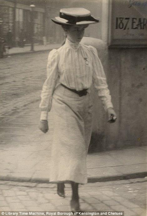 London, Cromwell Road, 12th July 1905