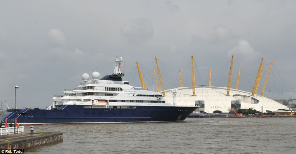 London 2012 The Olympic Super Yachts Arrive On The Thames
