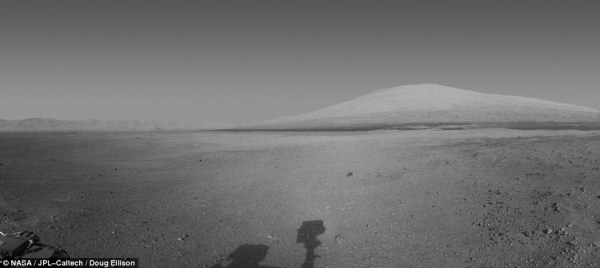 Ready to roll Curiosity rover sends back picture of Mars