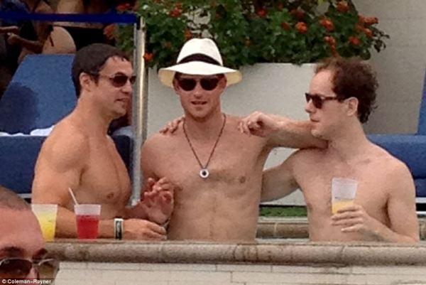 Prince Harry and a Vegas pool party with bikini beauties ...